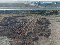 Cihanbeyli'de Kepçe operatörü fark etti, topraktan 60 kilodan fazla C4 çıktı