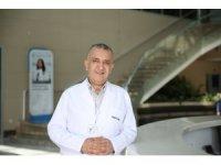 """Doç. Dr. Mustafa Ülker: """"Yılda bir kez diş muayenesi yaptırın"""""""