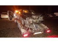Otomobil çöp kamyonuna çarptı: 2 yaralı