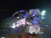 Otomobil tıra arkadan çarptı: 3 ölü, 2 yaralı