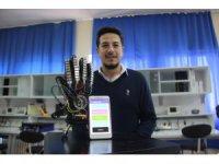 Üniversite öğrencisinden engelleri kaldıran mobil uygulama ve eldiven