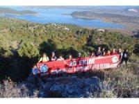 Doğaseverler, 29 Ekim Cumhuriyet Bayramını dağın zirvesinde kutladı