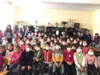 Kulu'da Öğrenciler Lösemili Çocuklara Destek İçin Maske Taktı
