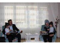 Başkan Tutal'dan şehit eşine ziyaret