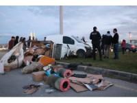 Hafif ticari araç elektrikli bisiklete çarptı: 1 yaralı
