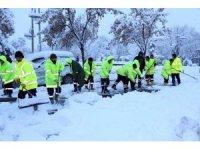 Aksaray Belediyesinde tüm ekiplerin kar seferberliği