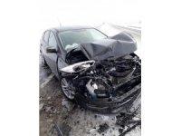 Konya'da otomobil tıra çarptı: 1 yaralı