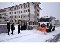 Başkan Pekyatırmaca'dan kar temizleme ekiplerine ziyaret