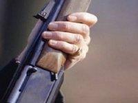 Eskil'de bir kişi tüfekle vuruldu