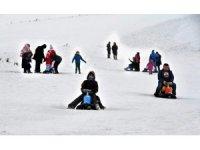 Bilgehane öğrencilerinin kayak sevinci