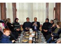 Başkan Akkaya hanımlarla bir araya geldi