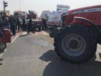 Aksaray'da Traktör İle Otomobil Çarpıştı: 1'i Ağır 3 Yaralı