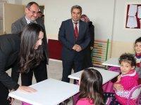 Eskil Kaymakamı Karaalioğlu'ndan Eşmekaya'daki okullara ziyaret
