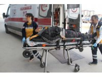 Suriyeli Genç pencere takarken inşaattan düşüp yaralandı