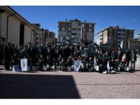 Atiker Konyasporlu futbolcular Şivlilik dağıttı