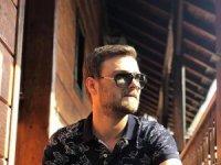 Milyon dolarlık klibe bestekar yorumcu Ayhan Kavraz imzası