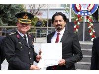 Yılın polislerine teşekkür ve takdir belgesi verildi
