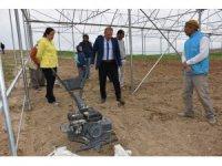 Aksaray'da Tarım ve Orman Müdürlüğü ekipleri seralarda incelemede bulundu