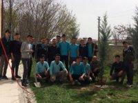 Eskil Anadolu İmam Hatip Lisesi öğrencileri fidan dikti