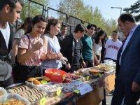 Konya Meram Mesleki ve Teknik Anadolu Lisesinden 5. geleneksel kermes