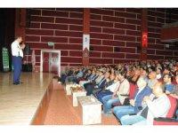"""Akşehir'de Hayati İnanç'tan """"Can Veren Pervaneler"""" konferansı"""