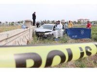 Boynuna ip bağlı genç duvara çarpmış otomobilde ölü bulundu