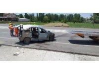 Konya'da hafif ticari araç takla attı: 5 yaralı