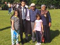 Ünlü Ailesinin Mezuniyet Sevinci