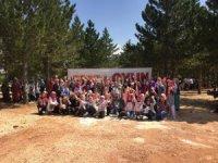 Kur'an kursu öğrencileri, Genç KOMEK yaz kampında