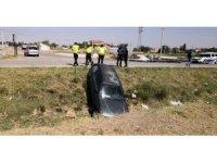 Aksaray'da Boş Sulama Kanalına Düşen Otomobil Korkuttu