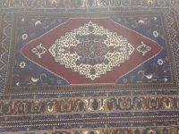 Eskil'de Camiden Halı Çalan Hırsız Kıskıvrak Yakalandı