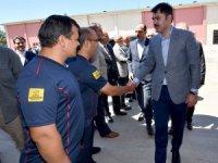 Bakan Kurum itfaiye personeliyle bayramlaştı