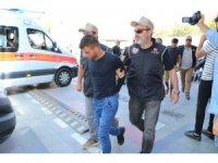 Konya'da taşıdıkları oyuncak ayının içerisinde bomba çıkan 2 kişi tutuklandı
