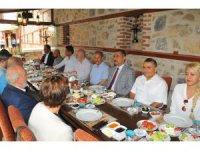 Başkan Akkaya'dan üniversite kayıtları öncesi istişare toplantısı