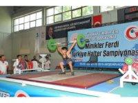 Akşehir'de düzenlenen halter şampiyonası sona erdi