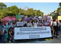 Kadınlar öldürülen Emine Bulut için Konya'da toplandı
