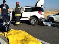 Eşmekayalı Genç,Trafik Kazasında Yaşamını Yitirdi