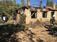 Yaşlı çift kaldıkları evde çıkan yangında hayatını kaybetti