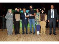 Akşehir Belediyesi çocuklara hayvan sevgisini aşılıyor