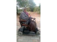 Engelli annenin akülü araba sevinci