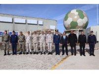 Vali Mantı, Ekecik Hava Radarda incelemede bulundu