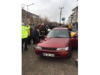 Aksaray'da minibüsle otomobil çarpıştı: 5 yaralı