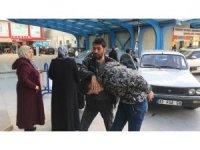 Polis aracına çarpıp kaçan hırsızlık şüphelisi cezaevine gönderildi