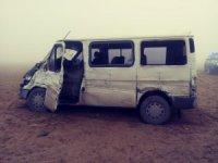Karapınar'da Öğretmenleri Taşıyan Minibüs Kamyonla Çarpıştı: 13 Yaralı