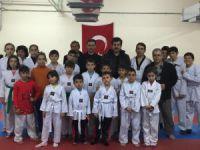 AK Parti Teşkilatından Tekvando Takımına Ziyaret
