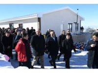 Bakan Ersoy Aladağ Kayak Merkezinde incelemelerde bulundu