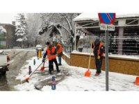 Akşehir'de kar temizliği çalışmaları