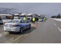 Konya - Antalya Karayolunda trafiğe tipi ve don engeli