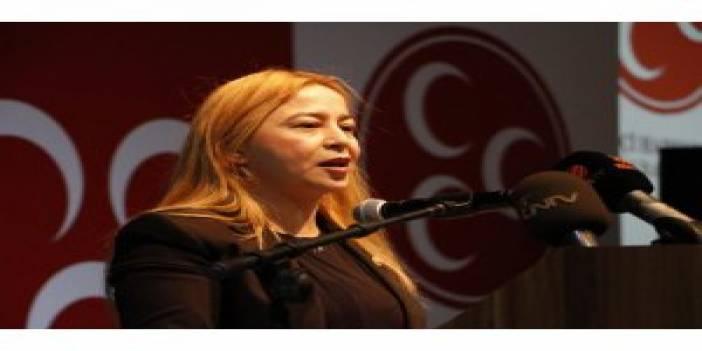 """MHP Milletvekili Esin Kara: """"Sosyal medyada sahte hesaplar kapatılmalı"""""""