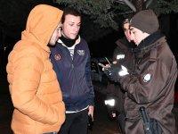 Aksaray'da gecenin güven timleri bekçilerle sokaklar daha güvenli